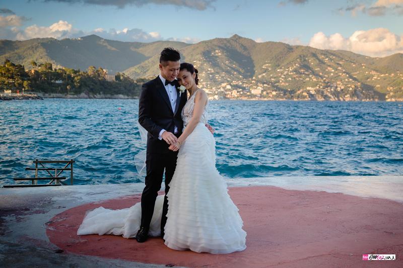 destination-wedding-photographer-santamargheritaligure-miramare-bride-groom-sea