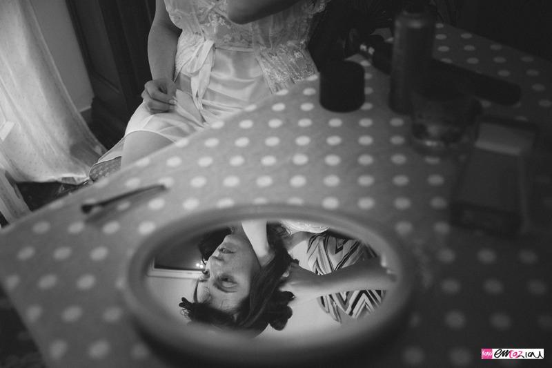 destination-wedding-italy-santamargheritaligure-continental-bride-gettingready-3-