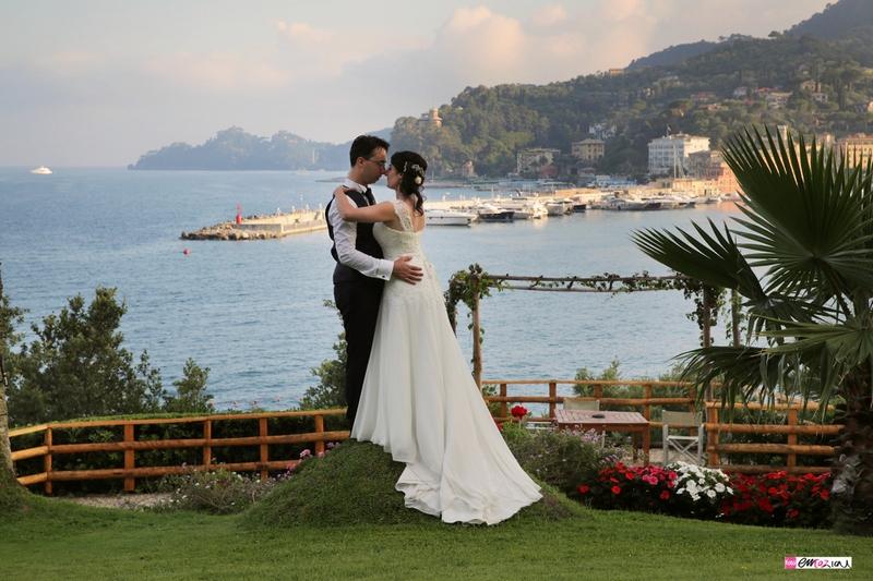 destination-wedding-italy-santamargheritaligure-continental-oark-newlyweds