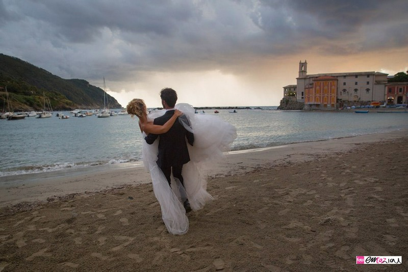destination-wedding-photographer-italy-sestrilevante-grandhoteldecastelli-portofino-34