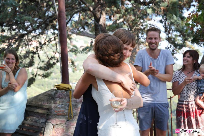 wedding-photographer-zoagli-italy-hugs