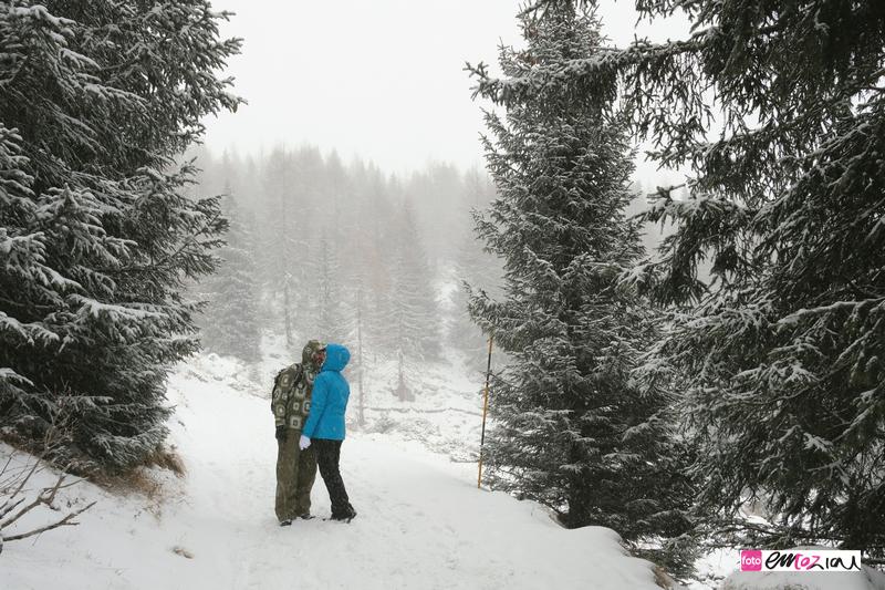 destination-wedding-photographer-Dolomites-valdifassa-italy-FUCIADE_snow3