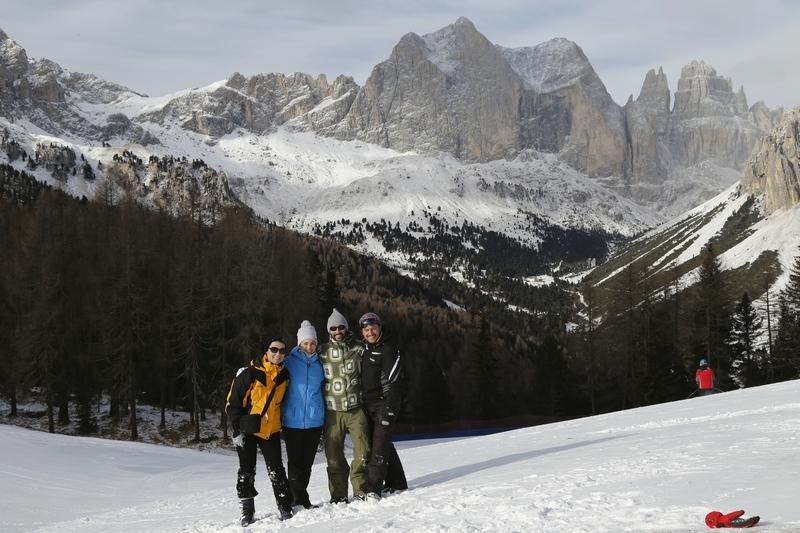 destination-wedding-photographer-Dolomites-valdifassa-italy_ciampedie-vigo11