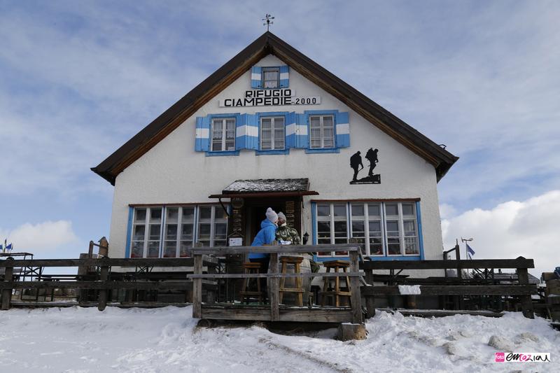 destination-wedding-photographer-Dolomites-valdifassa-italy_ciampedie-vigo13
