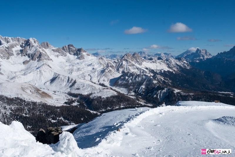 destination-wedding-photographer-Dolomites-valdifassa-italy_passo-sanpellegrino
