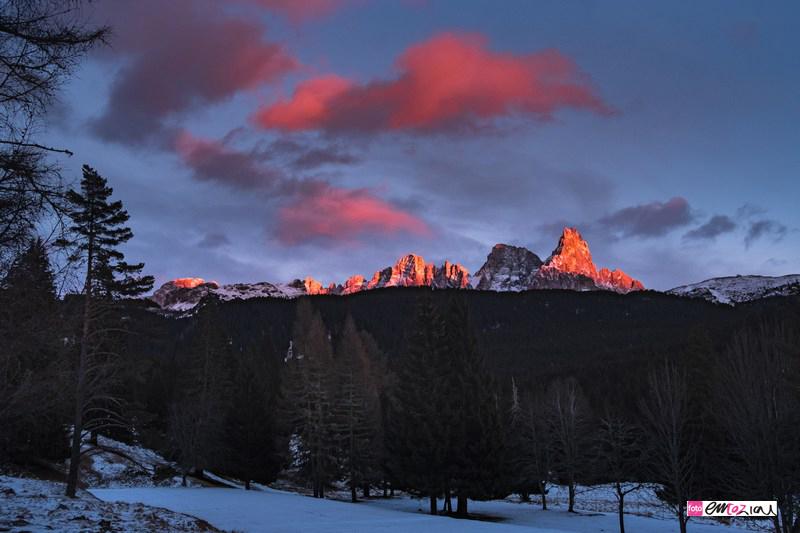 destination-wedding-photographer-Dolomites-valdifiemme-italy_paledisanmartino-sunset