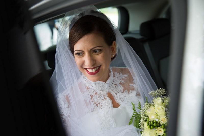 fotografo-matrimonio-casanova-rovegno-genova-sposa-macchina