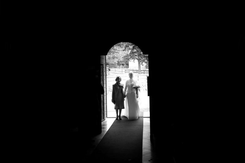 fotografo-matrimonio-casanova-rovegno-genova-sposa_ingresso