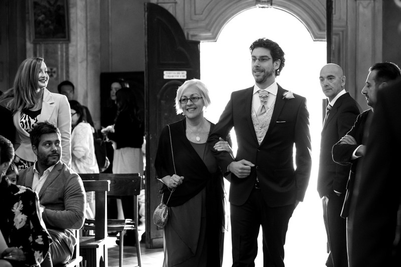 fotografo-matrimonio-casanova-rovegno-genova-sposo-ingresso