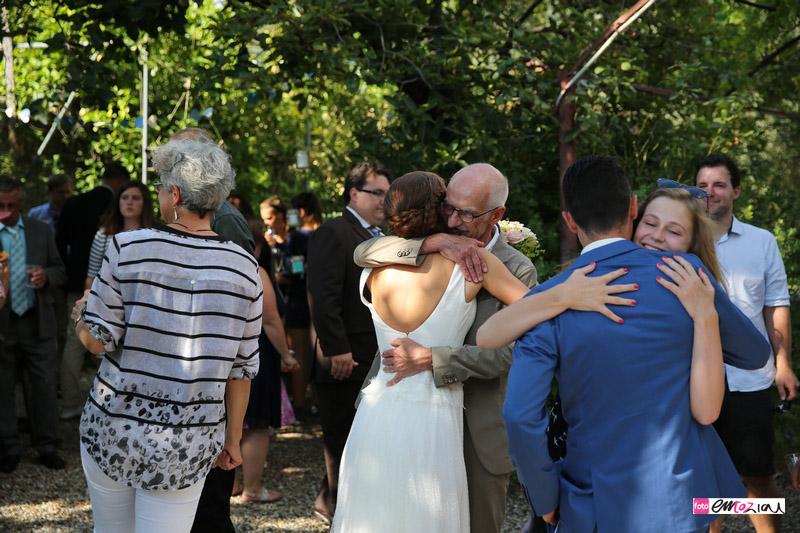 wedding-hugs-family_love