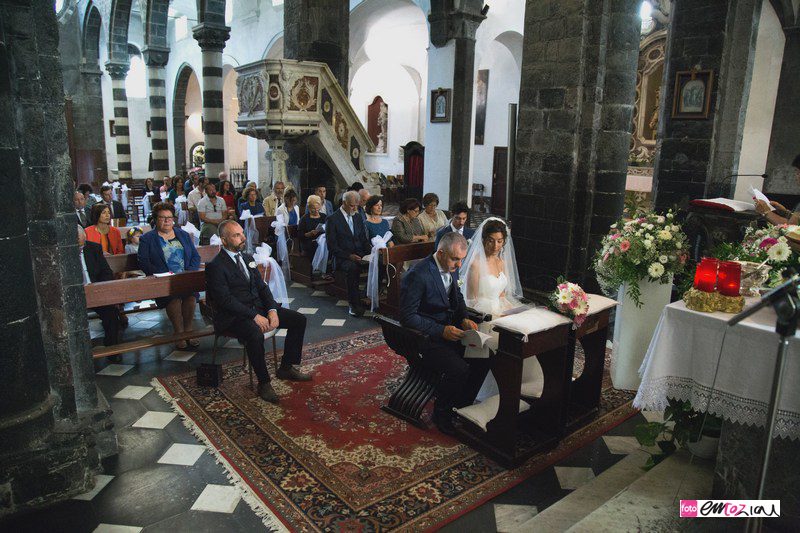 fotografo-matrimonio-levanto-destination-wedding-photographer_sposi_chiesa26