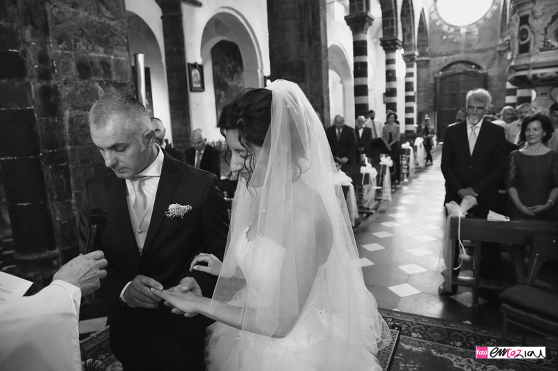 fotografo-matrimonio-levanto-destination-wedding-photographer_sposi_chiesa9