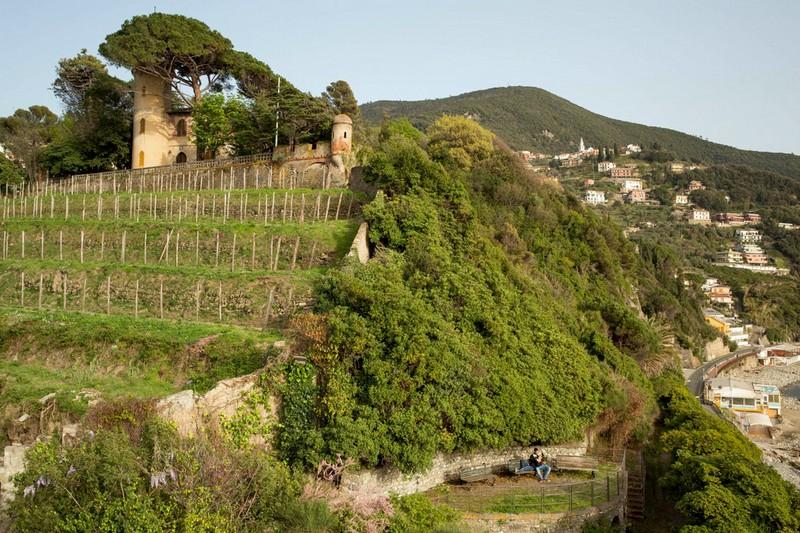 Moneglia engagement photographer destination wedding italian riviera