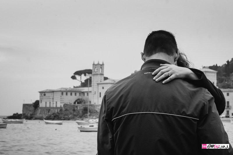 engagement-sestrilevante-destination-wedding-photographer_bw