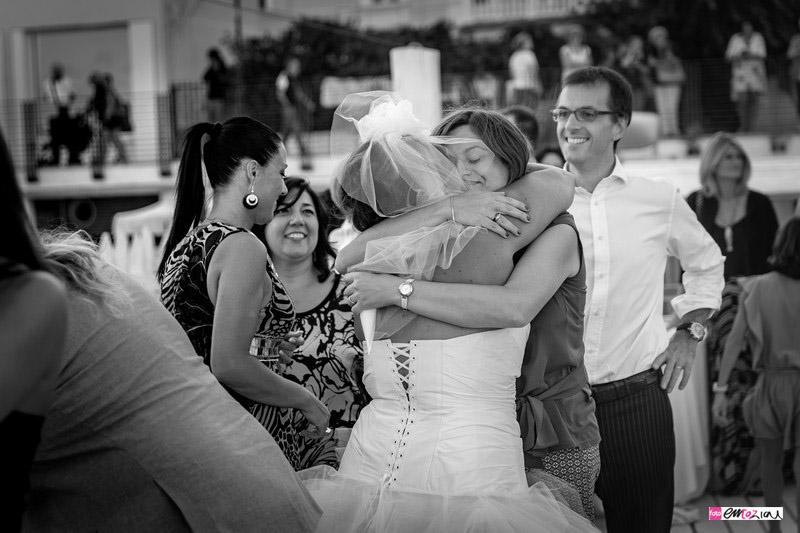 foto-matrimonio-spotorno-bagnisirio-abbracci (1)