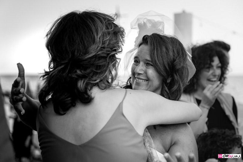 foto-matrimonio-spotorno-bagnisirio-abbracci (3)