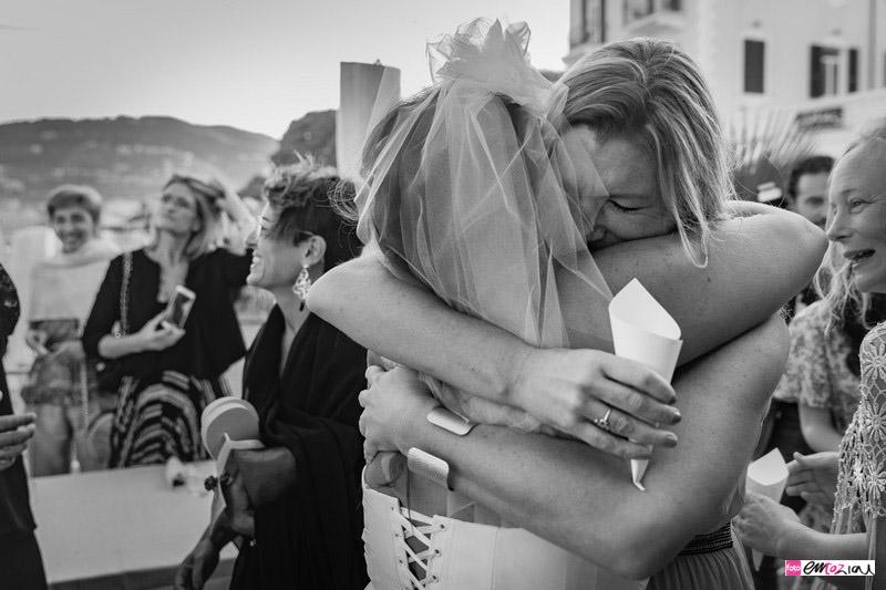 foto-matrimonio-spotorno-bagnisirio-abbracci (5)