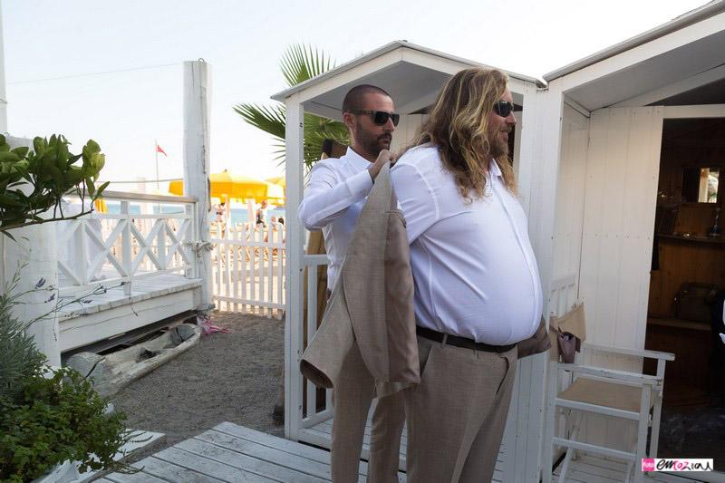 foto-matrimonio-spotorno-bagnisirio-preparazione-sposo-spiaggia (4)